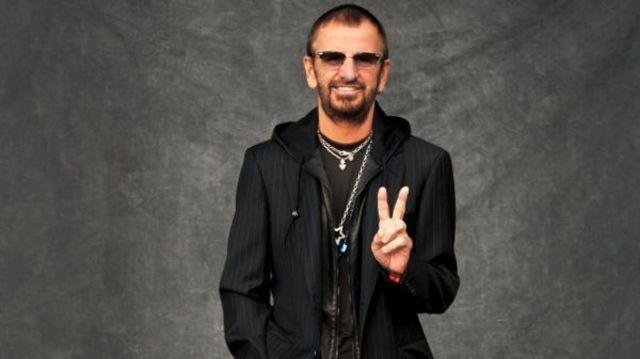 """Jacheta lui Ringo Starr din filmul """"Help!"""" a fost vanduta cu 30,000 de lire sterline"""