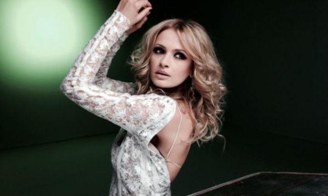 Alinka (Printesa Rock and Roll) canta cu Directia 5 pe 24 septembrie la Hard Rock Cafe