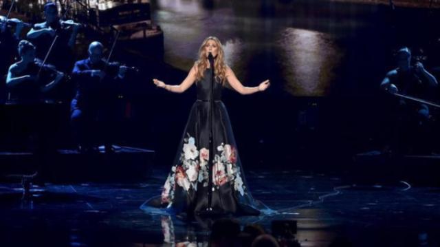 Celine Dion a adus un omagiu victimelor atacurilor teroriste din Paris