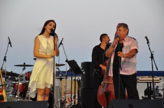 Concert unic la TNB! Alexandra Usurelu imbina muzica indie-folk cu cea simfonica intr-un spectacol alaturi de Mircea Vintila, Blue Noise si Dan Byron