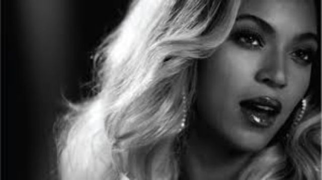 Beyonce i-a adus un omagiu emotionant lui Prince (video)