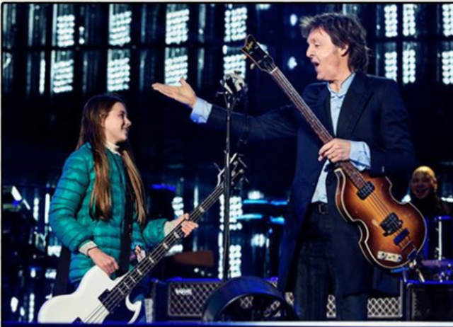 O fetita de 10 ani i-a cerut lui Paul McCartney sa cante cu el