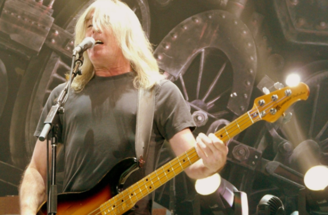 Cliff Williams renunta la AC/DC