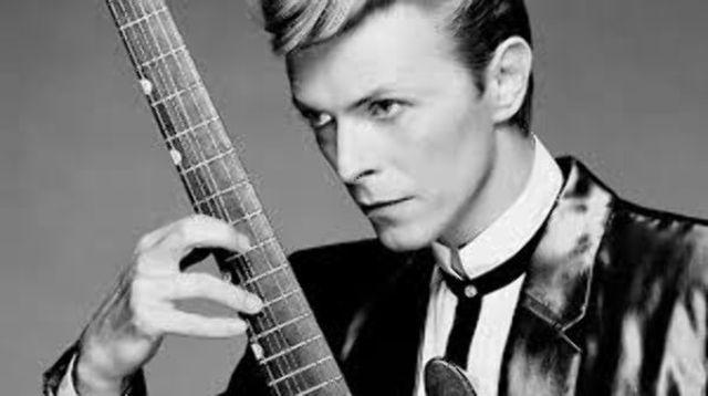 O inregistrare rara cu David Bowie din 1995 a aparut in mediul online (audio)