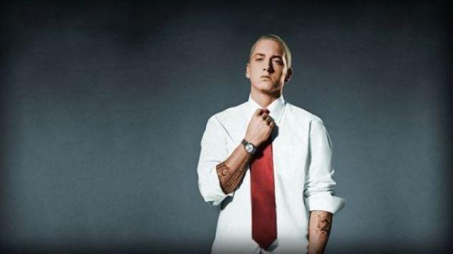 """Eminem a revenit cu o noua piesa - """"Campaign Speech"""""""