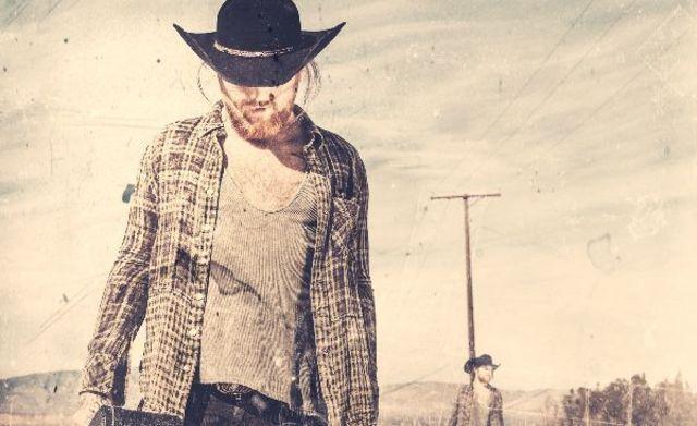 Danny Worsnop, frontman-ul trupei Asking Alexandria, a lansat un nou single solo