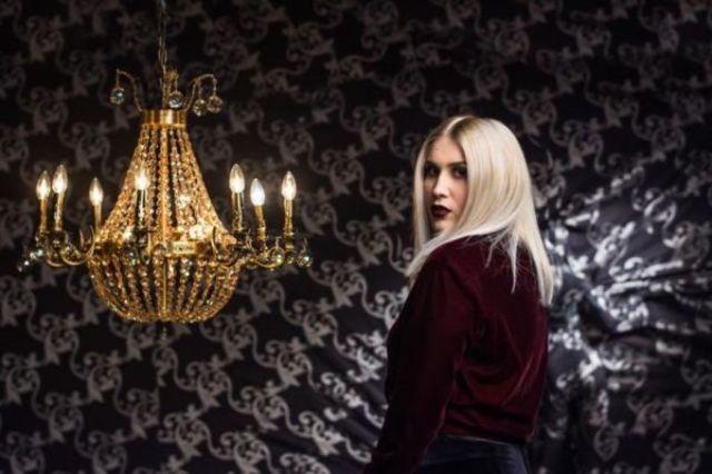 Adda a lansat single-ul si videoclipul 'Se vede pe fata ei'