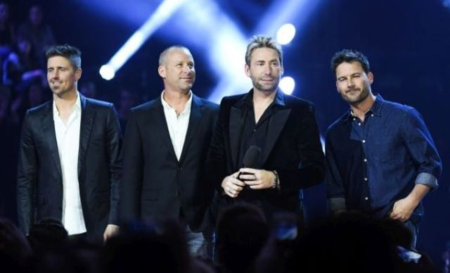 Nickelback revine cu videoclipul piesei 'Feed The Machine'