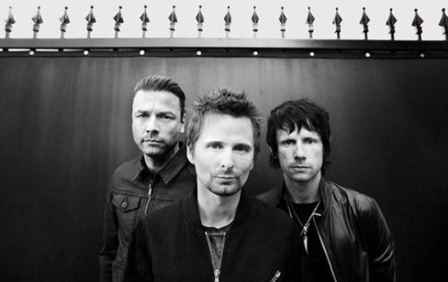 Muse a lansat videoclipul piesei 'Dig Down'