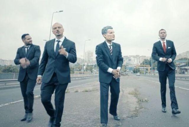 La Familia revine cu un videoclip nou: Portret de Politician feat. Rashid
