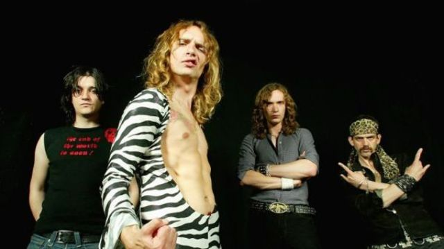The Darkness revine cu videoclipul piesei 'All the Pretty Girls'