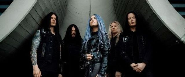"""Arch Enemy au lansat o piesa noua, 'First Day in Hell"""""""