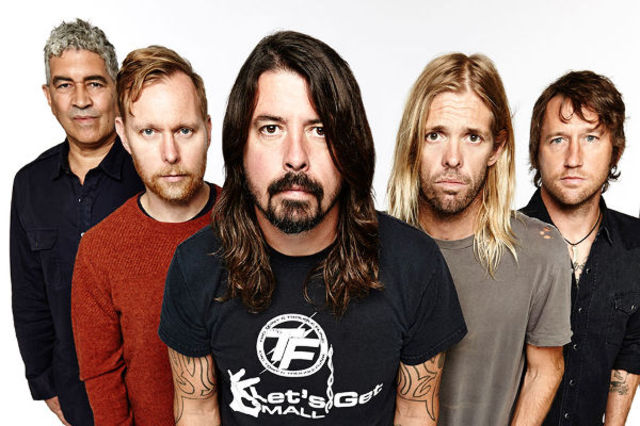"Foo Fighters au interpretat piesa ""Let There Be Rock"" a legendarilor AC/DC (video)"