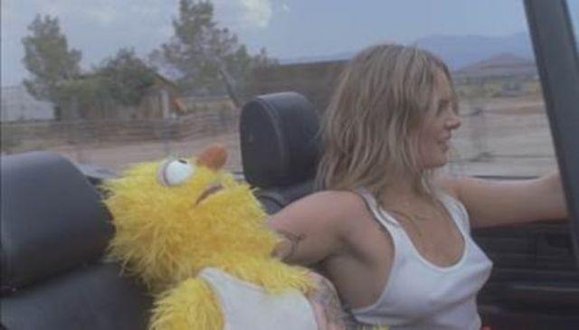 """Tove Lo a lansat videoclipul celui mai recent single – """"Disco Tits"""""""