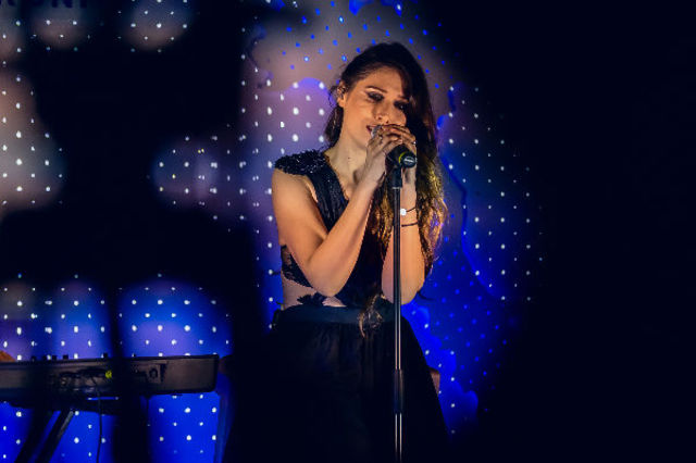 "Cristina Balan a lansat single-ul si videoclipul – ""Sertar cu amintiri"""