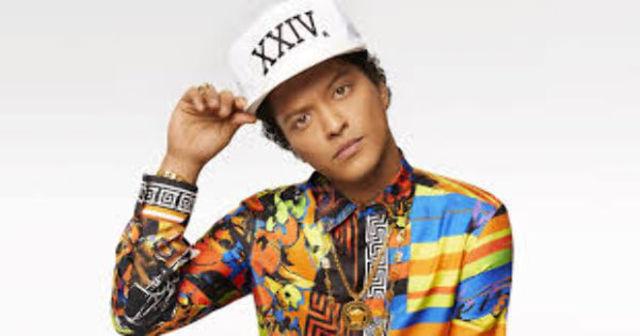 """Bruno Mars a lansat clipul piesei """"Finesse"""" alaturi de Cardi B"""