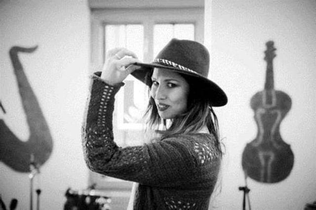"""Cristina Balan canta senzational hitul care a obsedat o lume intreaga – """"Issues"""""""