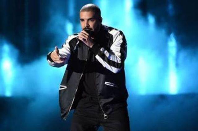 """Drake, cu piesa """"GOD'S PLAN"""", domina topul Billboard Hot 100, pentru a treia saptamana consecutiv"""