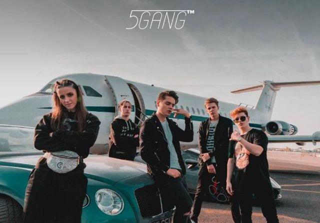 """5GANG """"loveste"""" din nou: concertul de la Arenele Romane este sold out, un record pentru o trupa romaneasca"""
