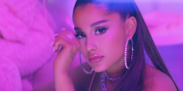 Ariana Grande ocupa primele 3 locuri in topul Billboard Hot 100, la 55 de ani de la anteriorul record