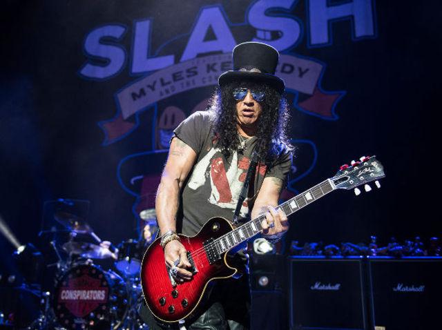 Slash a lansat un clip nou pentru 'Boulevard Of Broken Hearts'