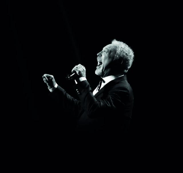 #It'sNotUnusualforTom Jones – descopera primul hit al legendarului cantaret care va concerta la Cluj pe 26 iunie