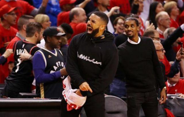 Drake este artistul de top al deceniului