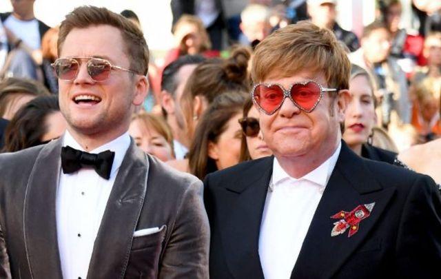 """Elton John si Taron Egerton vor canta impreuna in concertul """"Rocketman""""de la Greek Theatre in LA"""