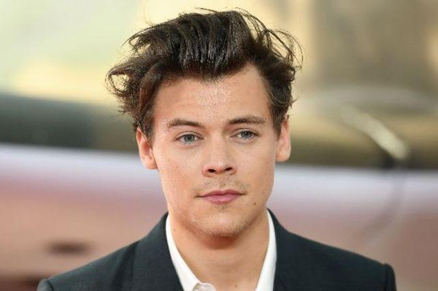 Harry Styles se destainuie: al doilea album solo, sexualitate si decizia de a se muta la Londra