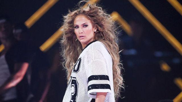 Jennifer Lopez si zvonurile despre Super Bowl