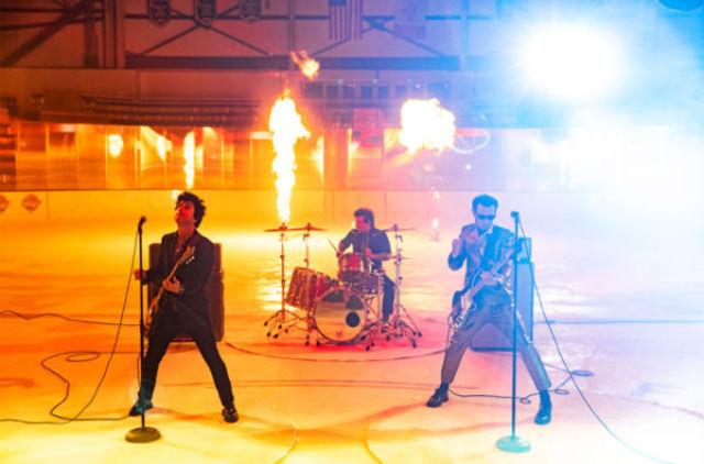 """Green Day a lansat """"Fire, Ready, Aim"""""""