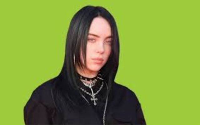 Billie Eilish isi sfatuieste fanii sa cumpere cu moderatie