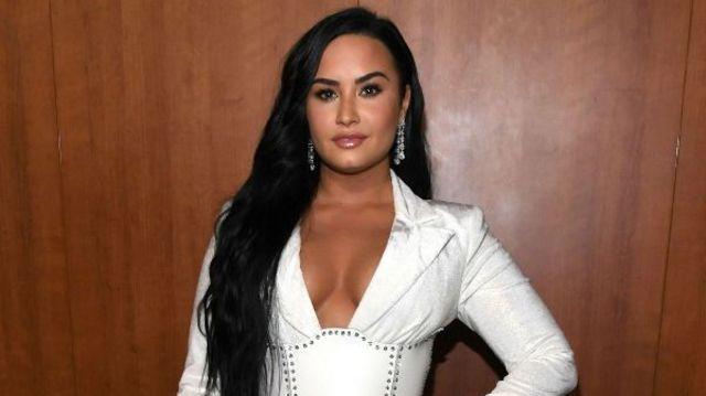 "Demi Lovato a lansat remix-ul ""I Love Me"""