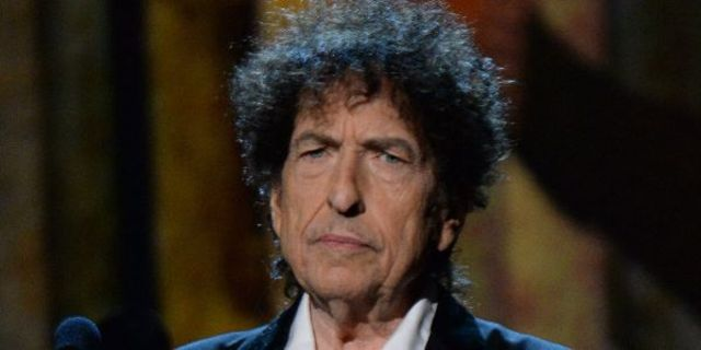 Bob Dylan a anuntat un nou album si a lansat un nou single