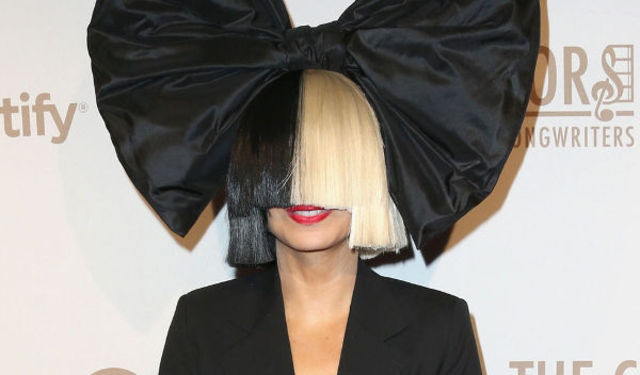 "Sia va lansa single-ul ""Together"""