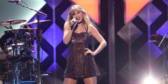 "Taylor Swift a lansat filmul concert ""City of Lover"""