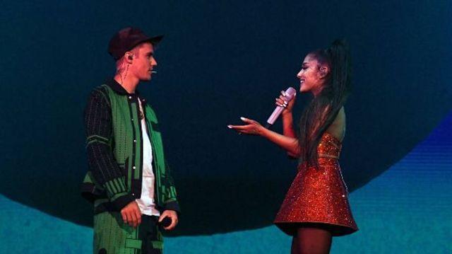 """""""Stuck With U"""" de la Ariana Grande si Justin Bieber ocupa locul 1 in topul Billboard Hot 100"""