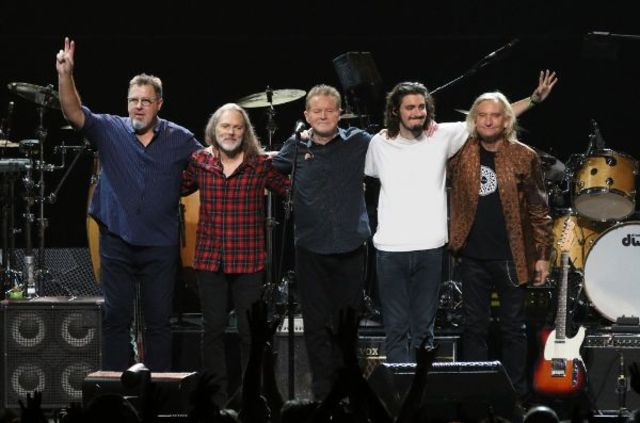 "The Eagles lanseaza filmul ""Live From Forum MMXVII"""