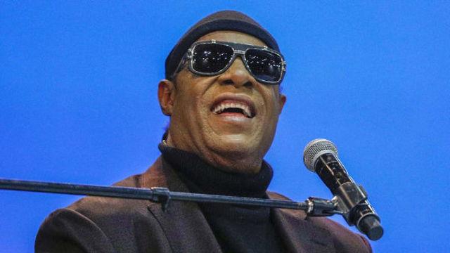 Stevie Wonder a lansat doua melodii noi