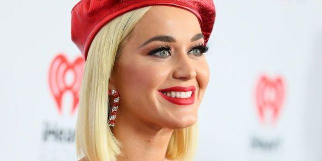 "Katy Perry lanseaza videoclipul noii versiuni a piesei ""Resilient"""