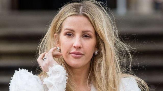 "Ellie Goulding lanseaza un nou EP, ""Songbook for Christmas"""