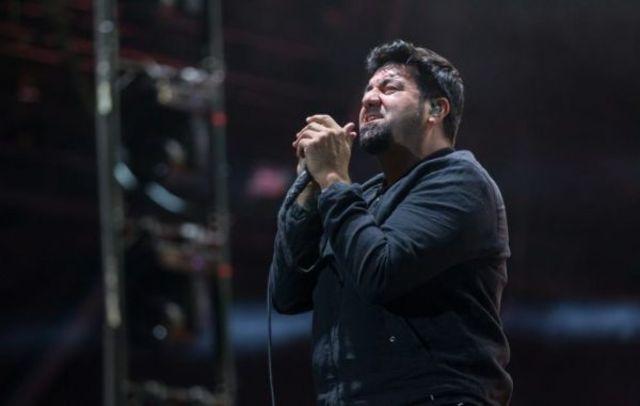 """Crosses, proiectului lui Chino Moreno, a lansat un cover pentru """"The Beginning Of The End"""""""