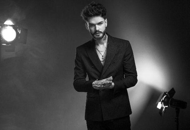 "Edward Sanda a lansat single-ul ""Primul dans"""