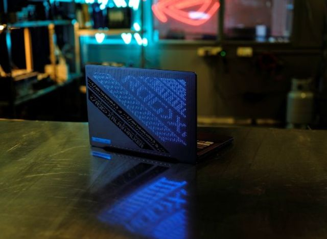 ROG Zephyrus G14 Alan Walker Edition – cum arata laptopul unui DJ
