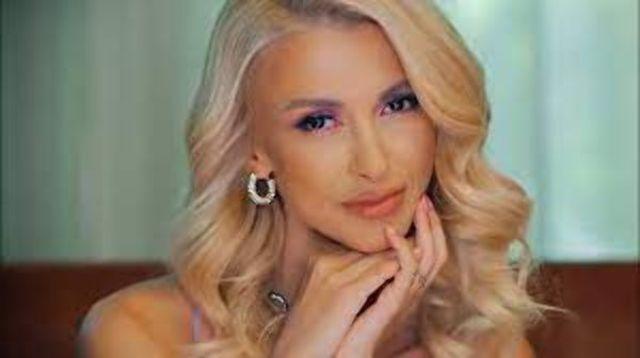 Andreea Balan a lansat albumul 'Soare dupa nori'