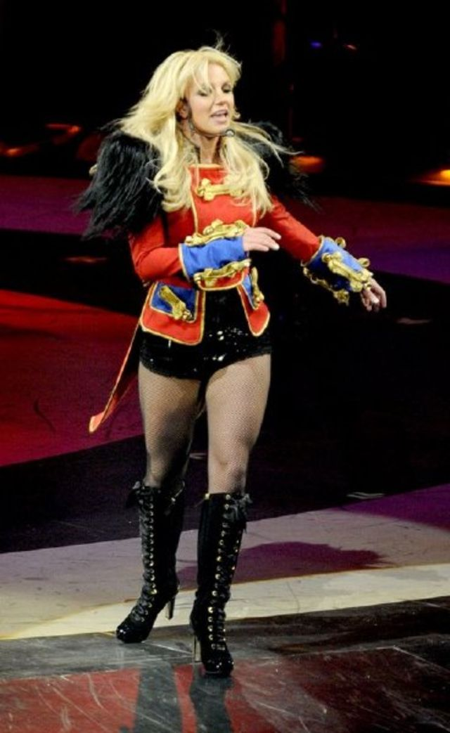 Britney Spears, turneul Circus 2009