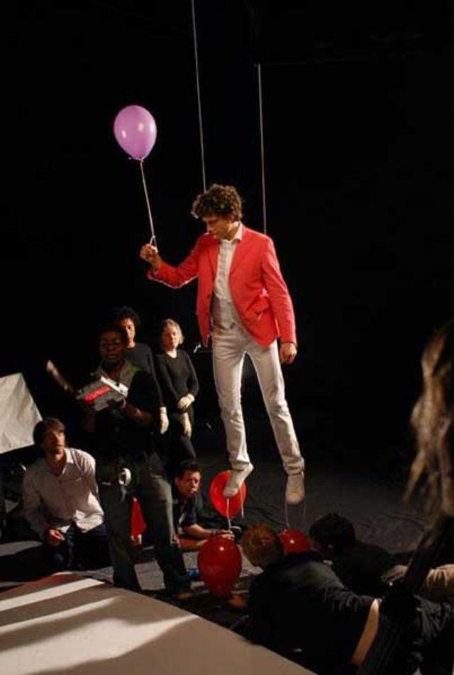 Mika - filmari videoclip Happy Ending