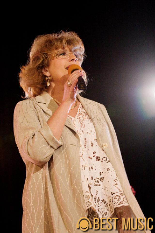 Corina Chirian in cadrul spectacolului 'O viata pentru muzica'