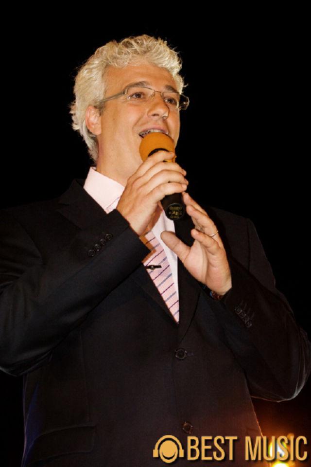 Catalin Crisan in cadrul spectacolului 'O viata pentru muzica'