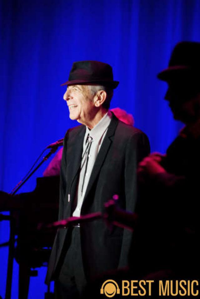 Poze Leonard Cohen la Bucuresti